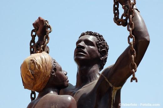 Monument souvenir de la libération des esclaves de l'ile de Gorée — Dakar (Sénégal)